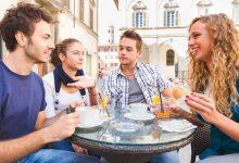 Los estudiantes de ILA disfrutando terraza